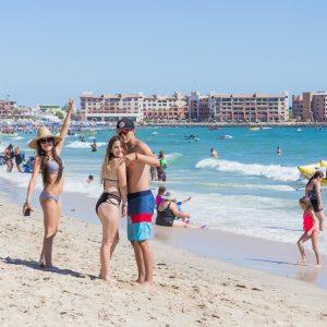 Desconéctate de la rutina para recargar tu mente y cuerpo en la playa.
